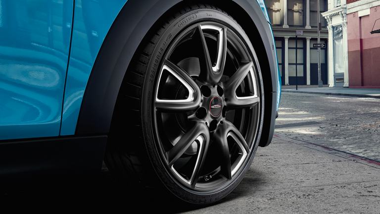 John Cooper Works Pro light alloy wheels